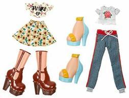 Bratz Deluxe Fashion Pack Style 1: Yasmin and Cloe