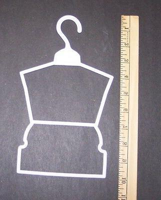 12 Hangers American