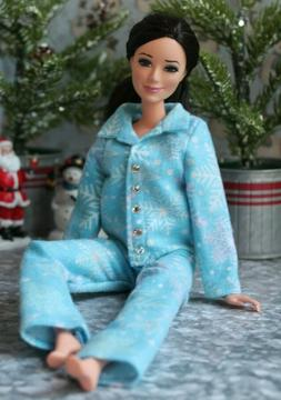 №154 Clothes for Barbie Doll Flannel Pajamas for Dolls.